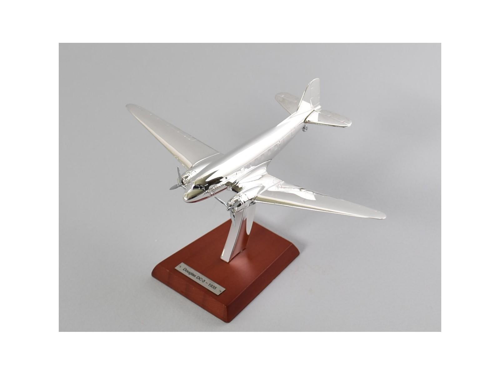 10 Scale 1:200 PLANE AIRCRAFT ATLAS PLATED SILVER Douglas DC-3-1935